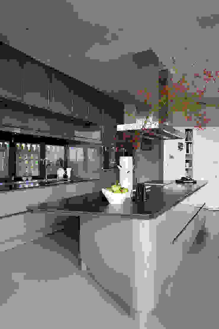 Ontwerp keuken Moderne keukens van Yben Interieur en Projectdesign Modern