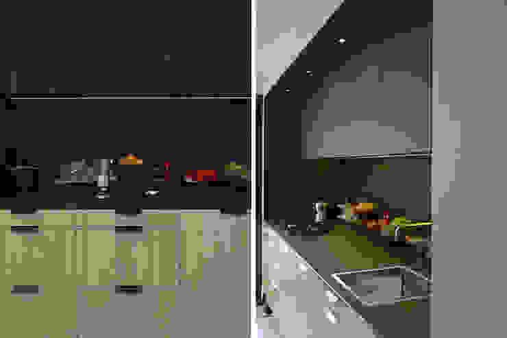 Verbouwing jaren 70 woning ARCHiD Moderne keukens