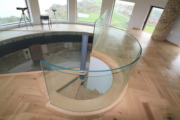 Curved frameless glass balustrade Ion Glass Escaleras Vidrio