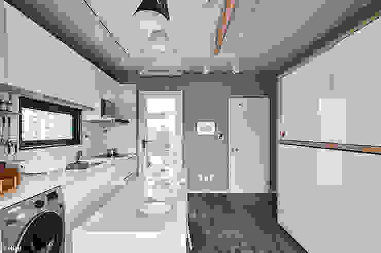 Cuisine moderne par 단감 건축사사무소 Moderne