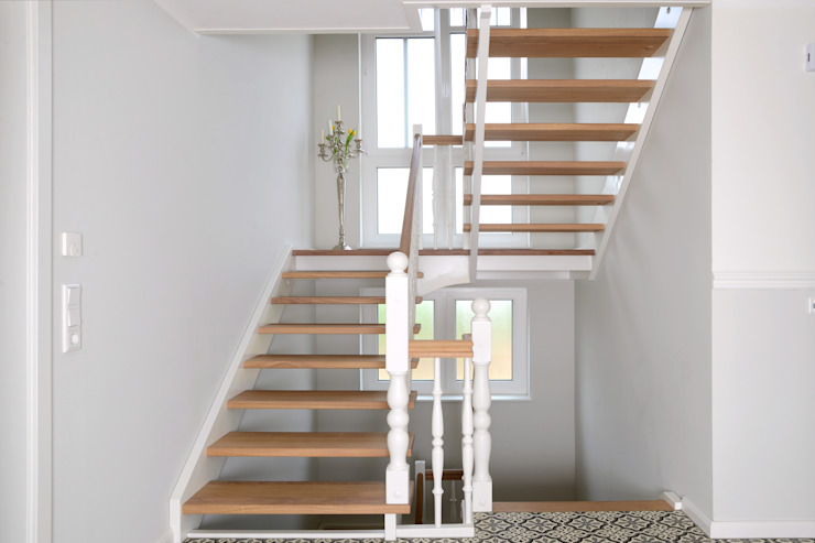 homify Stairs Wood