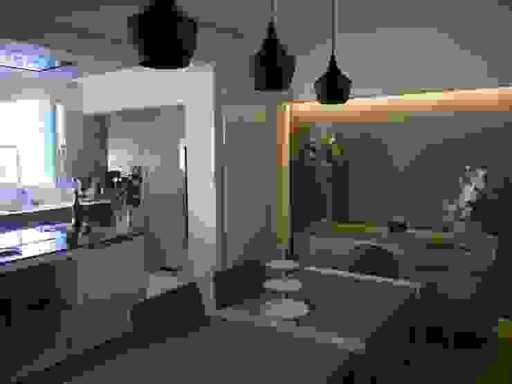 Modern Dining Room by BRUNO BINI Modern