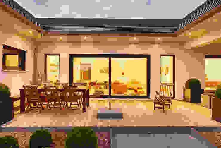 Modern Balkon, Veranda & Teras Lopez-Fotodesign Modern
