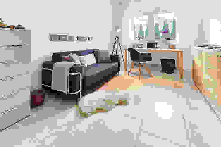 LUXHAUS Kundenhaus 01 Moderne Arbeitszimmer von Lopez-Fotodesign Modern