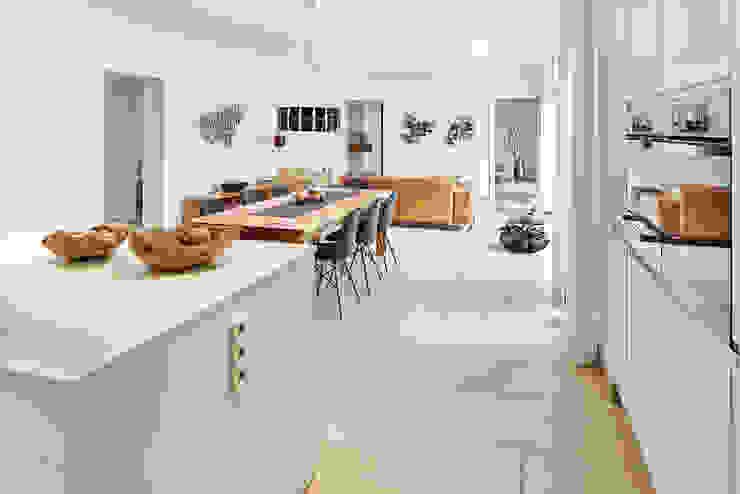 LUXHAUS Kundenhaus 01 Moderne Esszimmer von Lopez-Fotodesign Modern