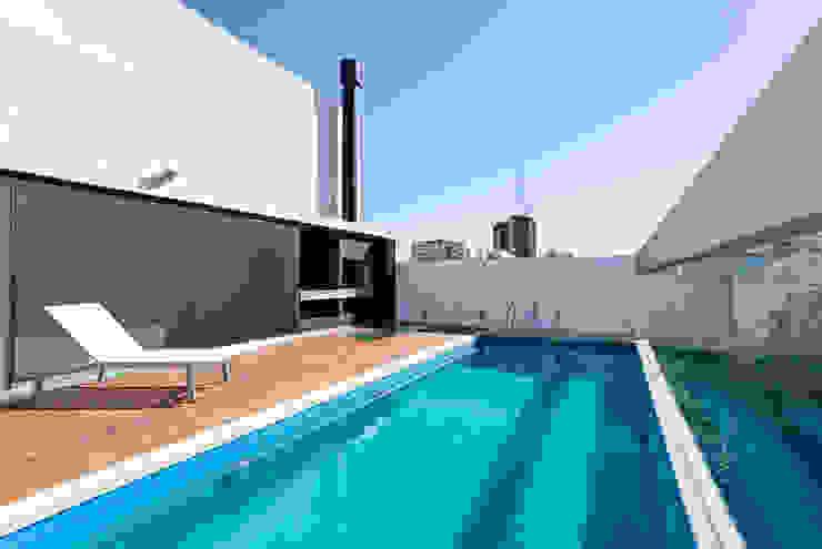 ATV Arquitectos Piscinas de estilo moderno