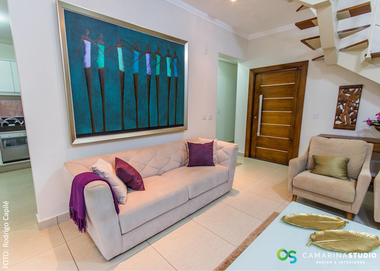 Salas de estar clássicas por Camarina Studio Clássico