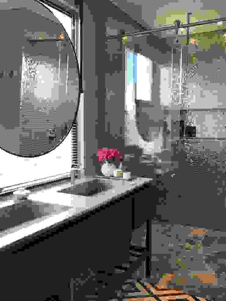 Salle de bain moderne par Ecologik Moderne