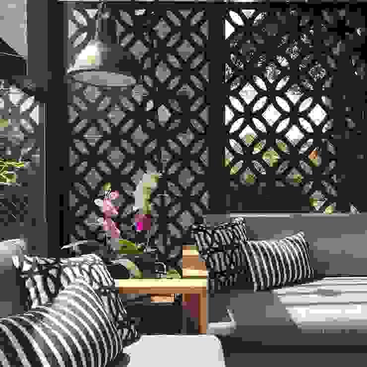 detalle en terraza Balcones y terrazas de estilo ecléctico de Ecologik Ecléctico