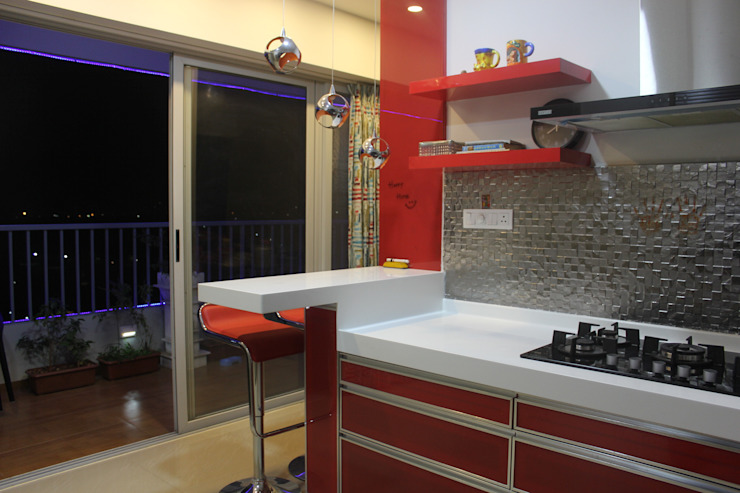 Amanora Park town AreaPlanz Design Built-in kitchens