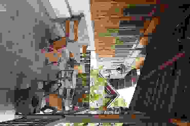 Alam Manis Gastronomi Modern Oleh sony architect studio Modern
