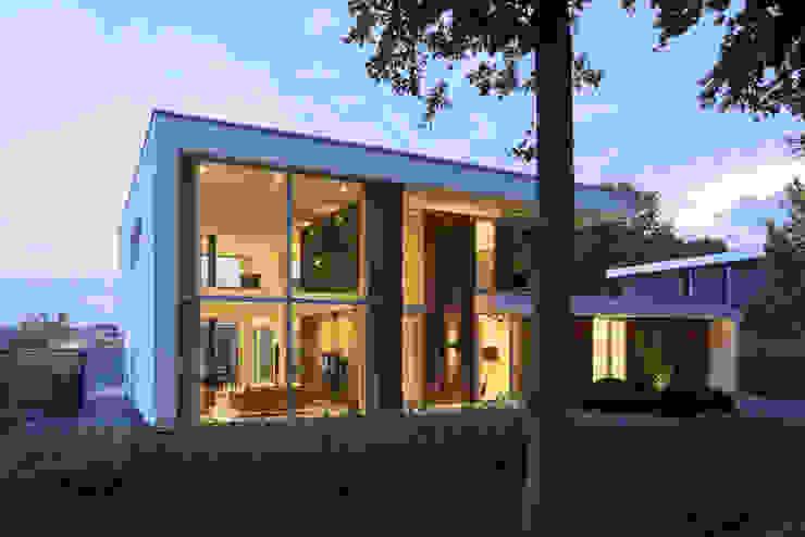 N-House in Dorst bij Breda. van Lab32 architecten Modern