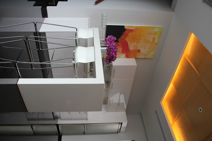 CINERE AT MAJALAH ASRI Ruang Makan Modern Oleh sony architect studio Modern
