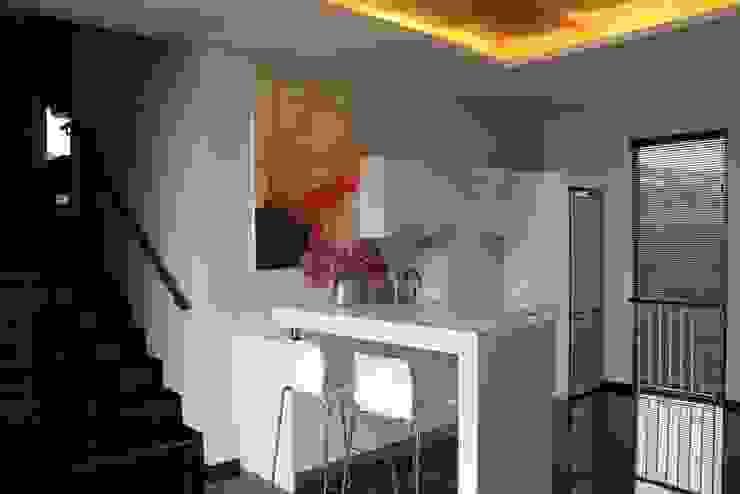 CINERE AT MAJALAH LARAS Dapur Modern Oleh sony architect studio Modern
