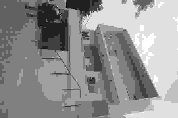 CISADANE 30, MENTENG Rumah Modern Oleh sony architect studio Modern
