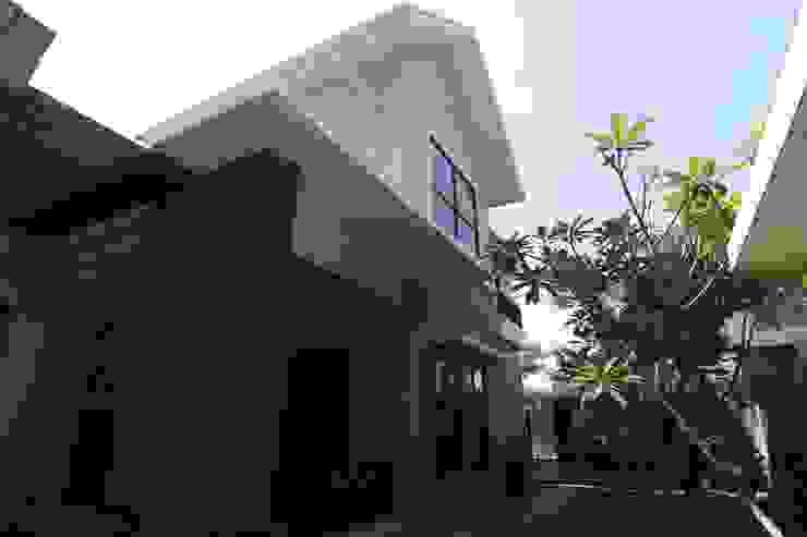 COKRO ,VMM Rumah Modern Oleh sony architect studio Modern