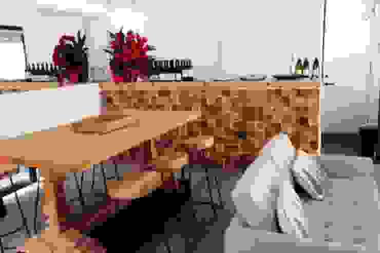 Weekend home Scandinavian style kitchen by workroom Scandinavian