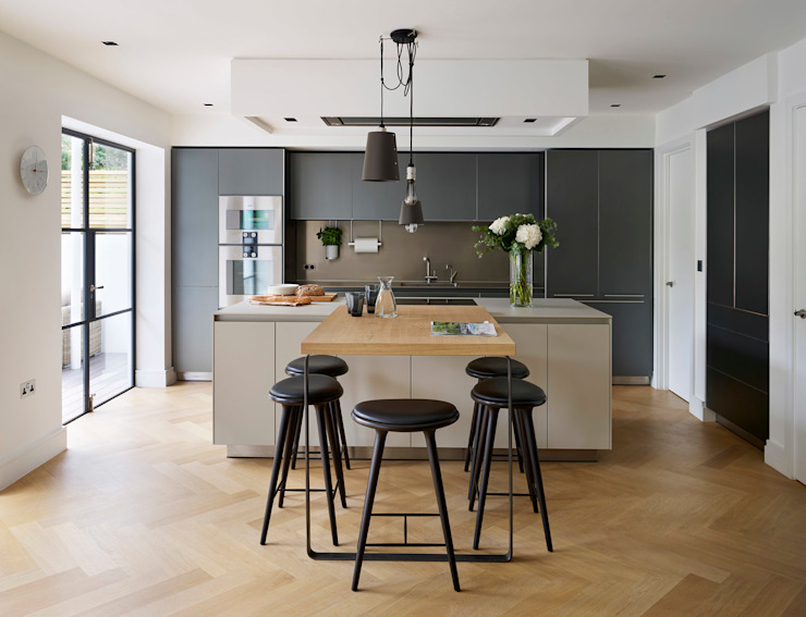 Timeless Living Modern style kitchen by Kitchen Architecture Modern