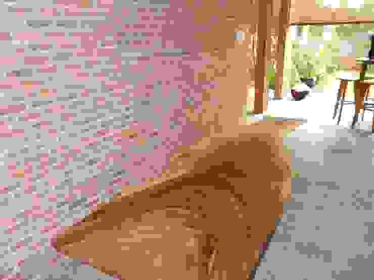 KEBAGUSAN:modern  oleh sony architect studio, Modern