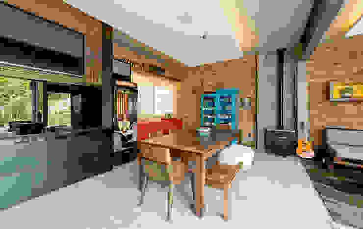 sala de jantar casa de praia +2 Arquitetura Salas de jantar rústicas Madeira Turquesa