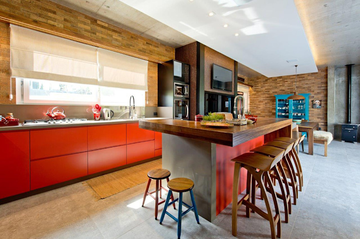 Kitchen units by +2 Arquitetura, Modern Wood Wood effect