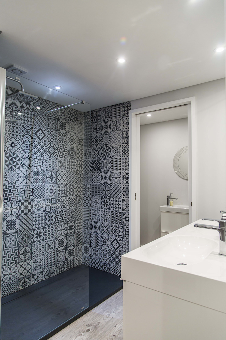 WC & Toilet Eclectic style bathroom by Conceitos Itinerantes, Lda Eclectic
