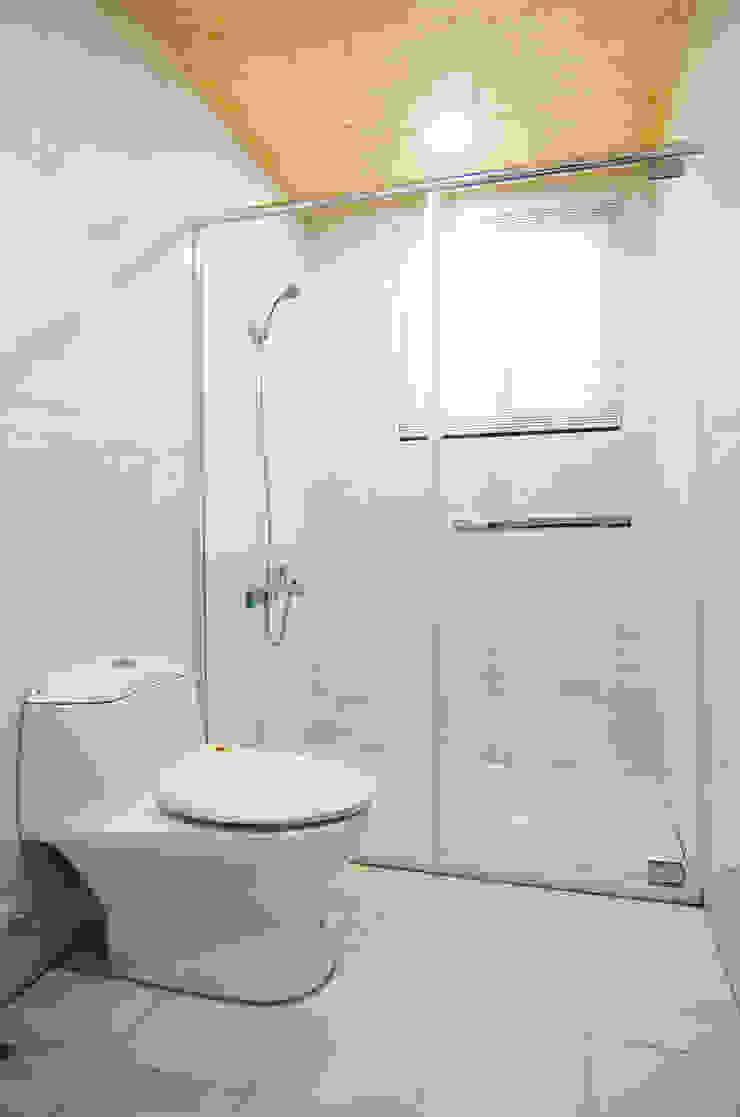H8100 根據 中圓泰 / 淋浴拉門 簡約風 玻璃