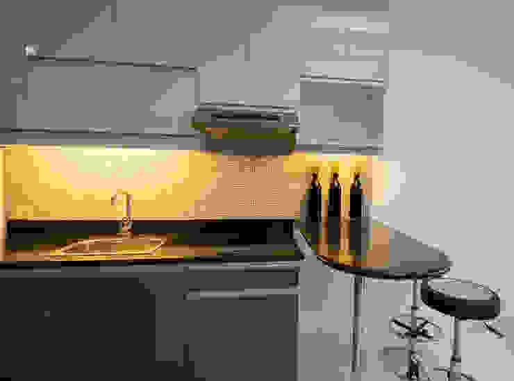 ACE Hotel & Suites by TG Designing Corner Modern
