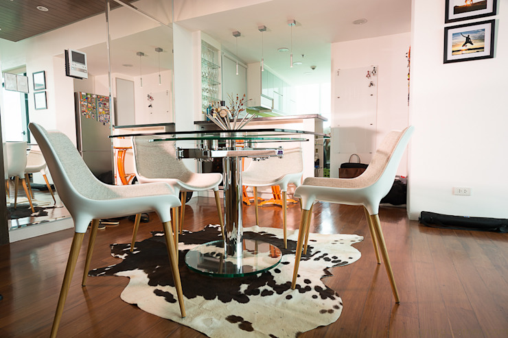 8 Forbes Town Road Golf View Residences Modern dining room by TG Designing Corner Modern