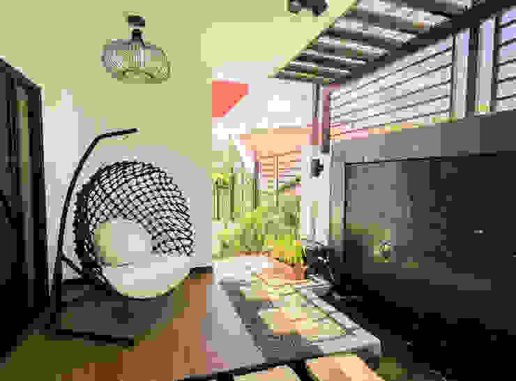 Tagaytay Southridge Estates Modern style gardens by TG Designing Corner Modern