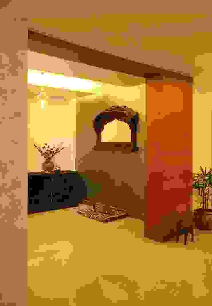 Marine Drive Classic style corridor, hallway and stairs by Studio Nirvana Classic