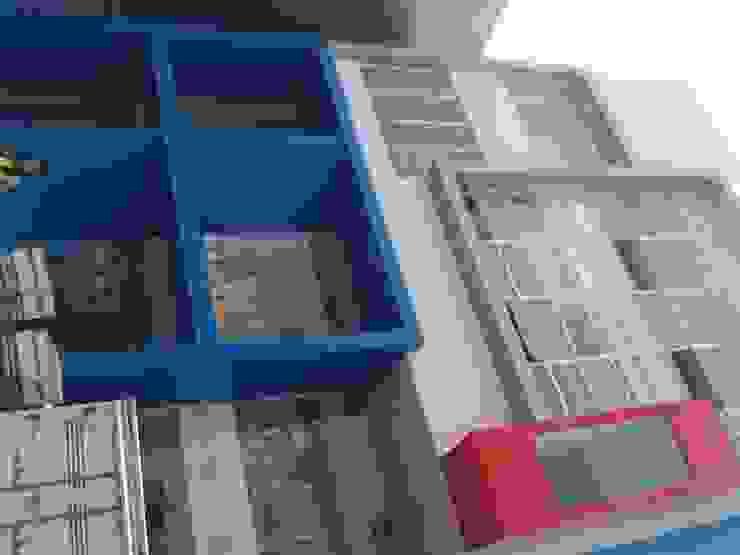 LAUNDRY Makasar Rumah Modern Oleh sony architect studio Modern