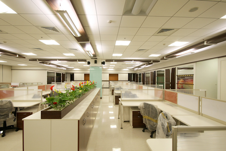 Mahindra Navistar Engines Pvt. Ltd. Chakan , Pune. Modern style study/office by Spaceefixs Modern