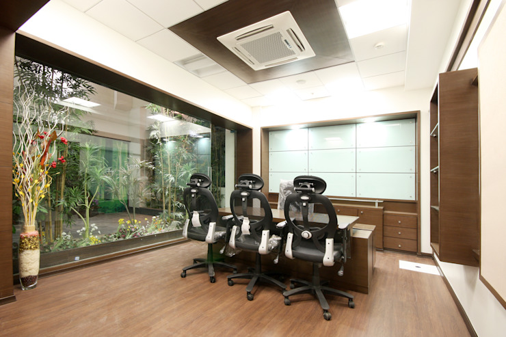 Mahindra Navistar Engines Pvt. Ltd. Chakan , Pune. Modern study/office by Spaceefixs Modern