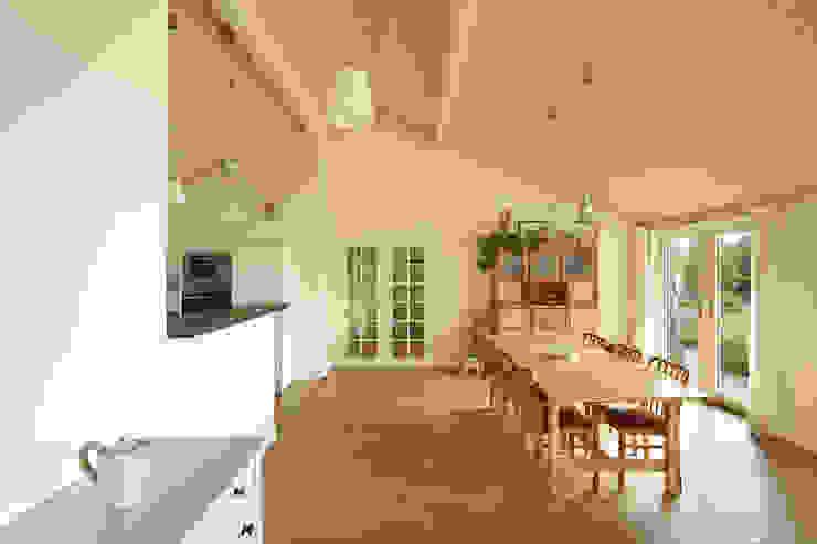 Ruang Makan Gaya Skandinavia Oleh Oliver Kuty Photography Skandinavia