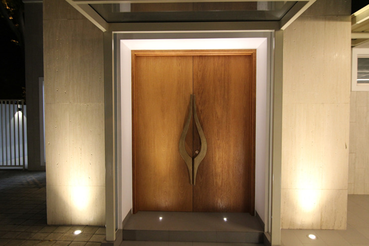 modern  door sony architect studio, Modern