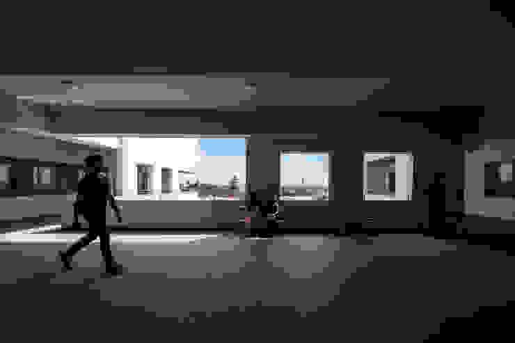 Trường Đại học Kiến trúc TPHCM (UAH) Hành lang, sảnh & cầu thang phong cách hiện đại bởi truong an design consultant corporation Hiện đại