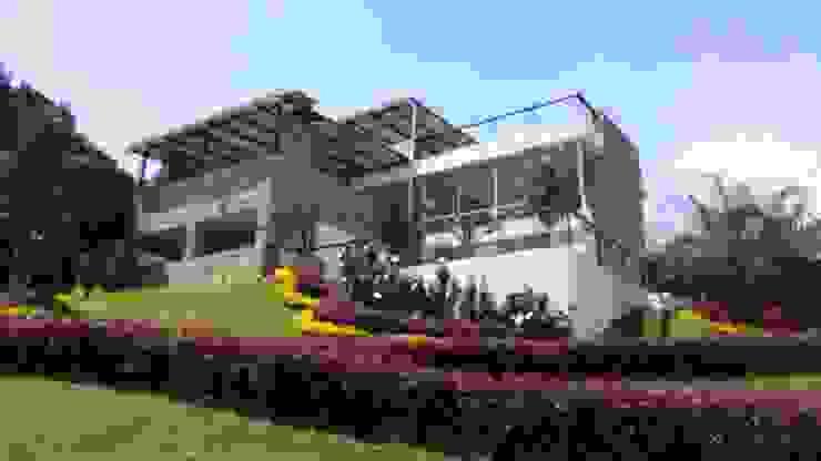 club house de Arcor Constructores Rústico Concreto