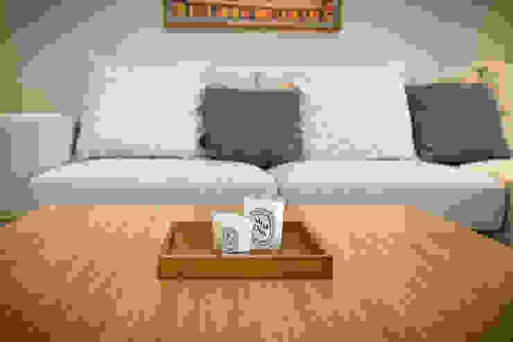 【居家設計】謙謙太子蔡邸--品牌來自於「生活」的價值 现代客厅設計點子、靈感 & 圖片 根據 謐境空間策略事務所 - Dimension Scenario Work 現代風
