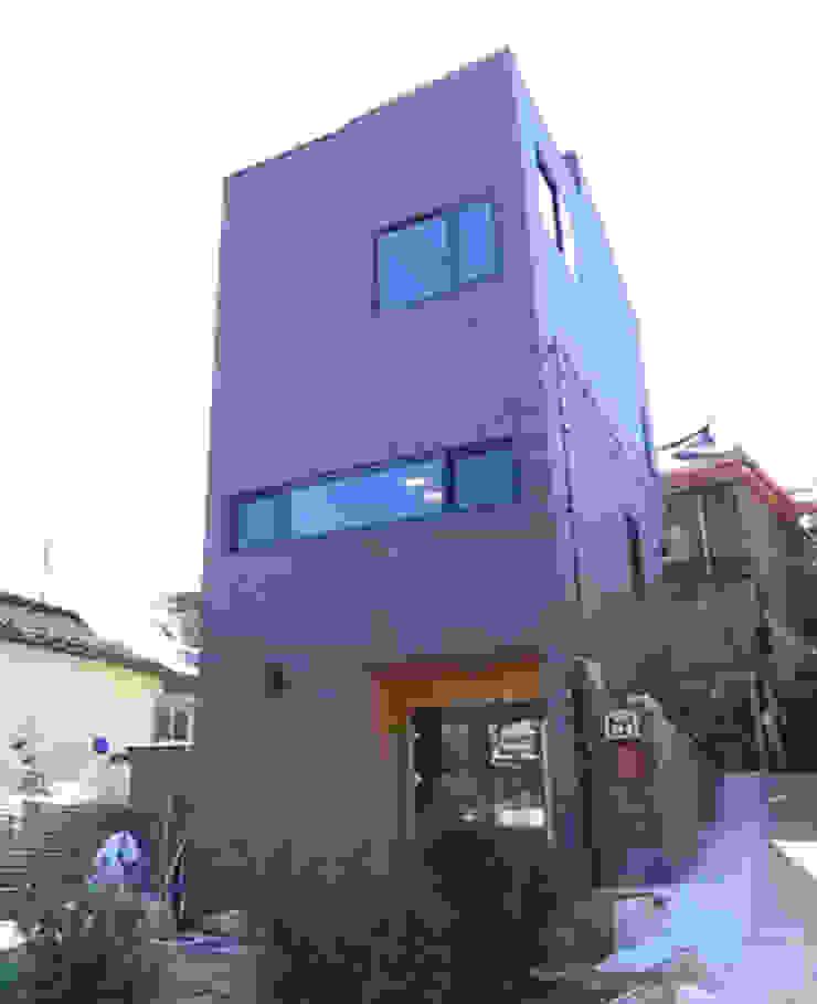 성북동 주택 모던스타일 주택 by GongGam Urban Architecture & Construction 모던