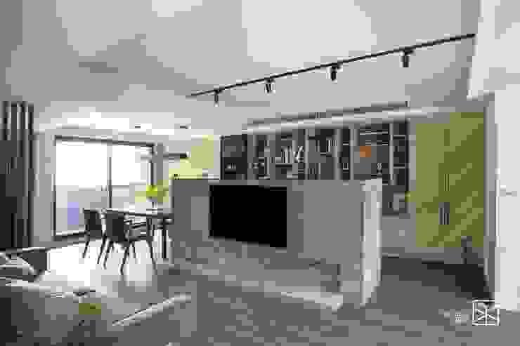 電視牆 Eclectic style living room by 禾廊室內設計 Eclectic