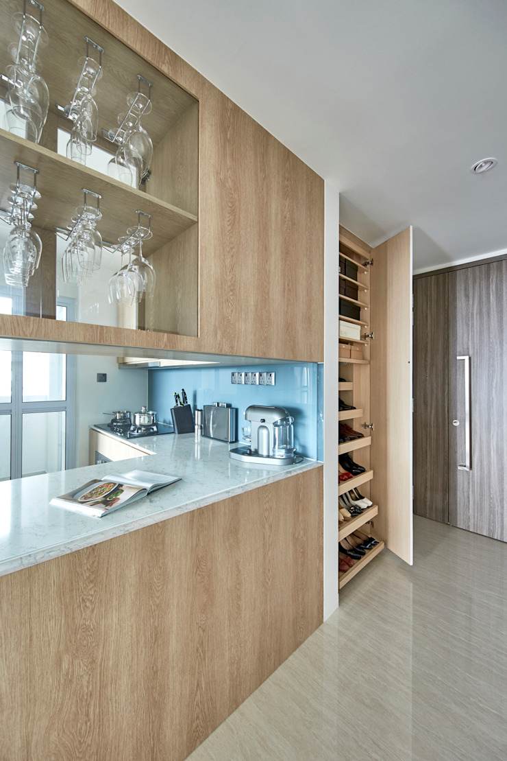 Sky Vue Scandinavian style kitchen by Eightytwo Pte Ltd Scandinavian Wood Wood effect