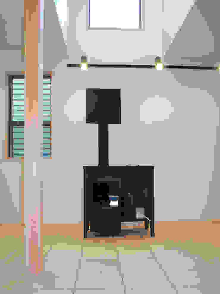 小豆沢の家 ミニマルスタイルの 玄関&廊下&階段 の 奥村召司+空間設計社 ミニマル