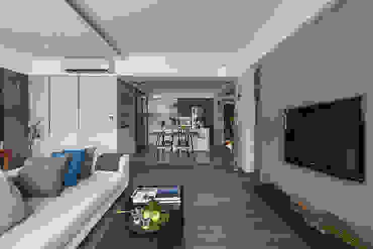 從客廳望向餐廳 根據 沐光植境設計事業 北歐風
