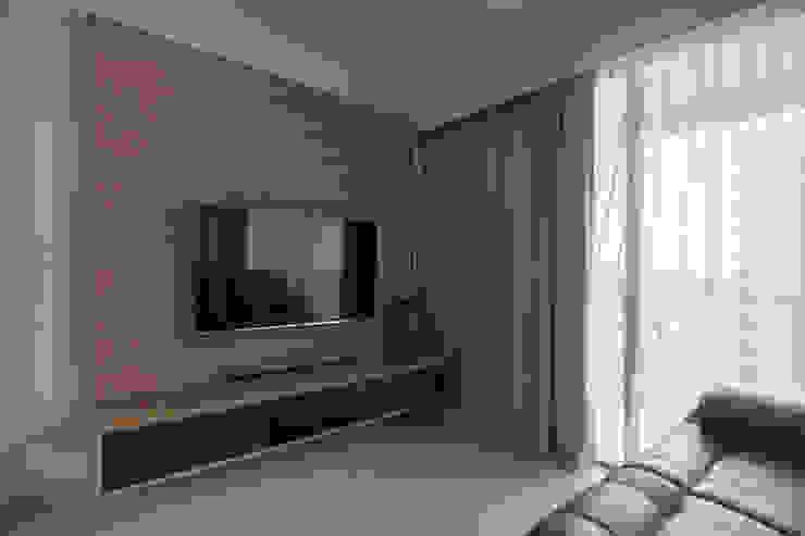 Bartley Ridge Residences Scandinavian style living room by Eightytwo Pte Ltd Scandinavian
