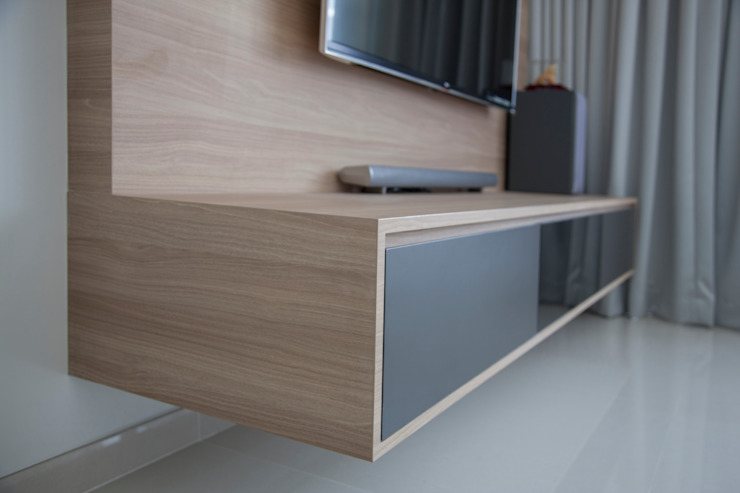 Bartley Ridge Residences Scandinavian style living room by Eightytwo Pte Ltd Scandinavian Wood Wood effect
