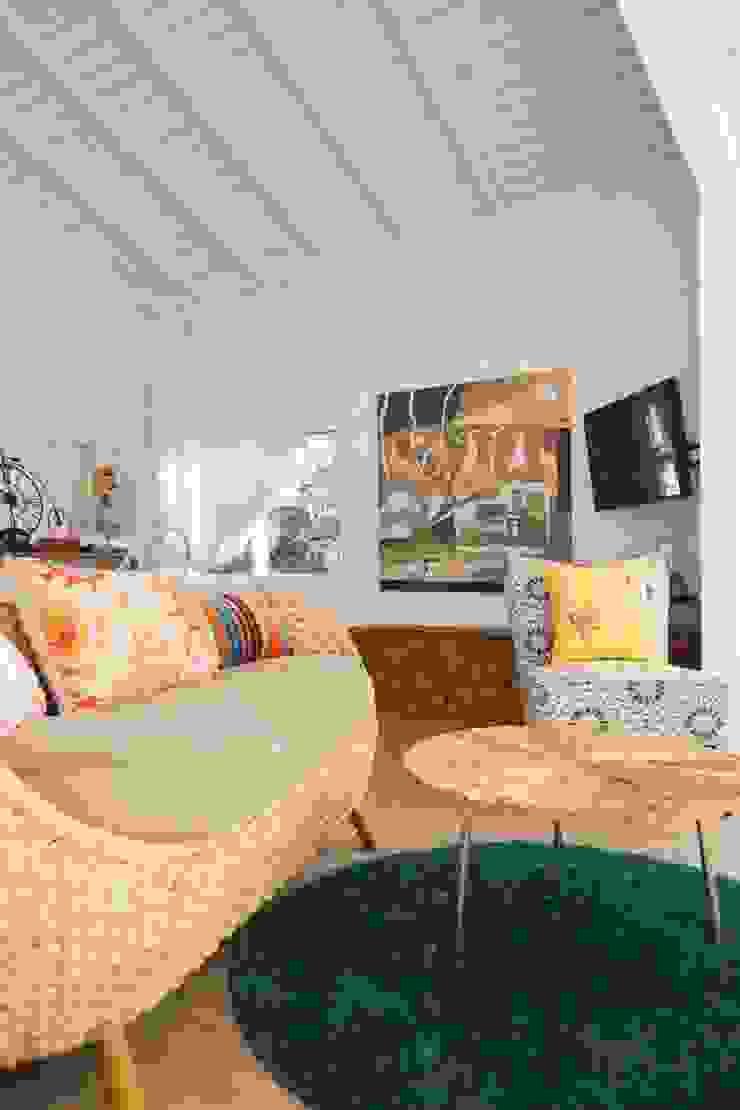Co*Good Design Co. Ltd. Camera da letto eclettica
