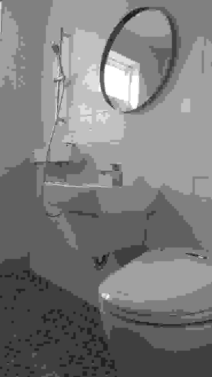 영주 박공지붕 프로젝트 모던스타일 욕실 by (주)트라움목조주택 모던