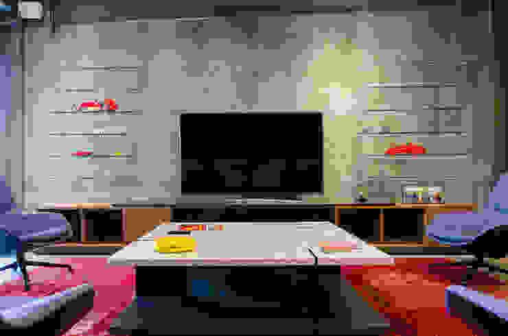 Salón Privado de Autos Salones modernos de IAARQ (Ibarra Aragón Arquitectura SC) Moderno