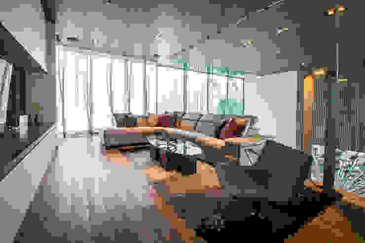 Wohnzimmer von IAARQ (Ibarra Aragón Arquitectura SC), Modern